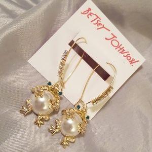 Betsey Johnson froggy earrings